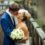 Terno azul para noivo: conheça a nova tendência!
