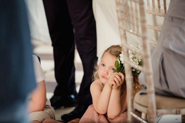 Crianças em casamento: descubra como entretê-las durante o evento